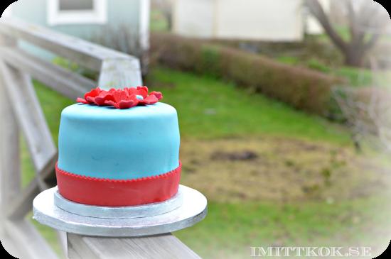 Turkos och Röd tårta